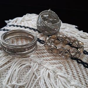 Jewelry - 🖐$3🖐 Grey and Taupe costume Jewelry